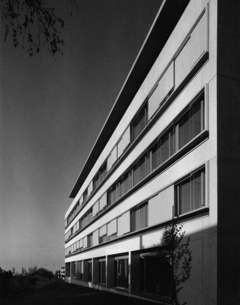13 edificio de oficinas en berna wikiarquitectura for Edificio oficinas