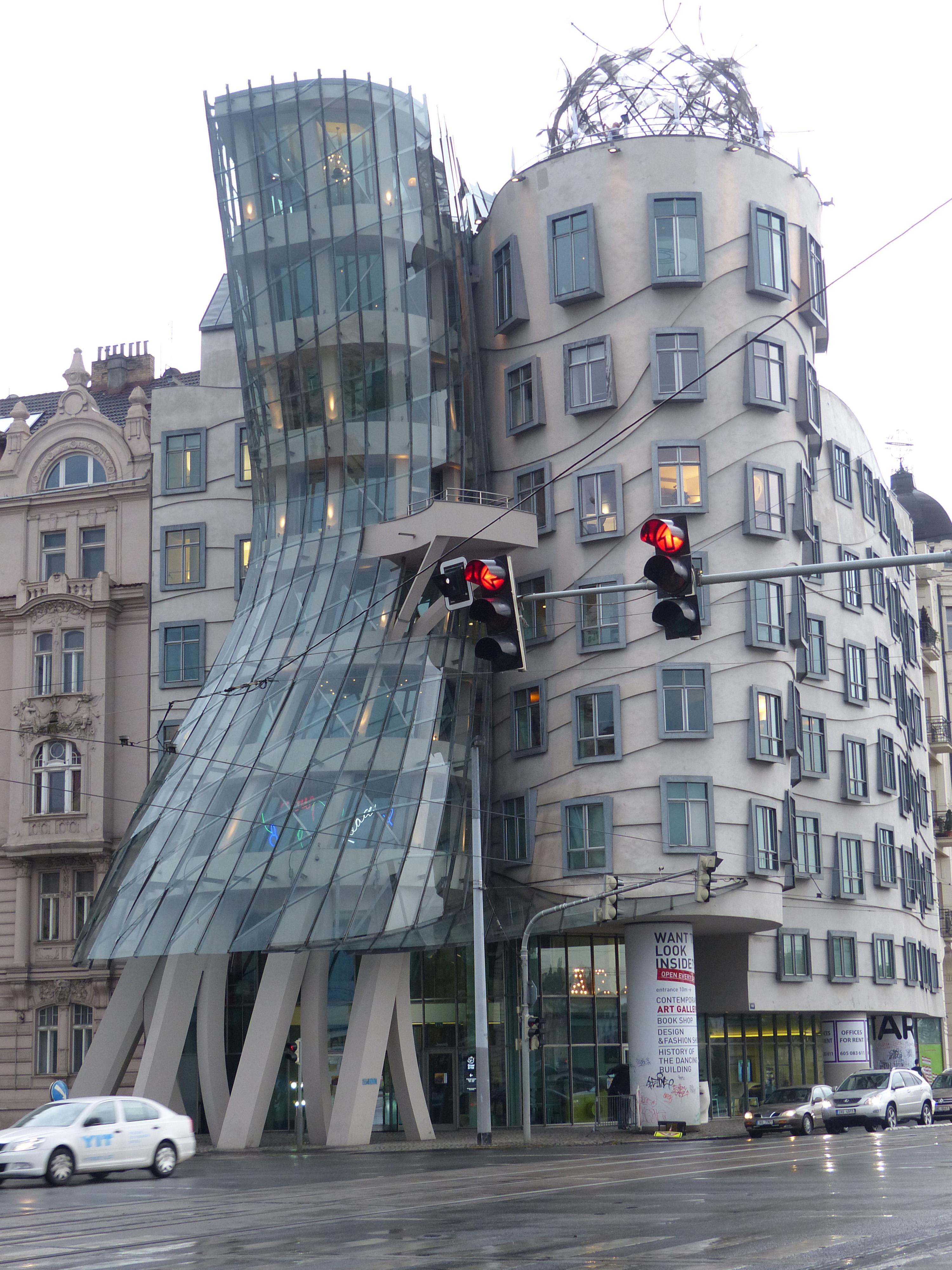 Dancing House  Frank Gehry  Praga_03