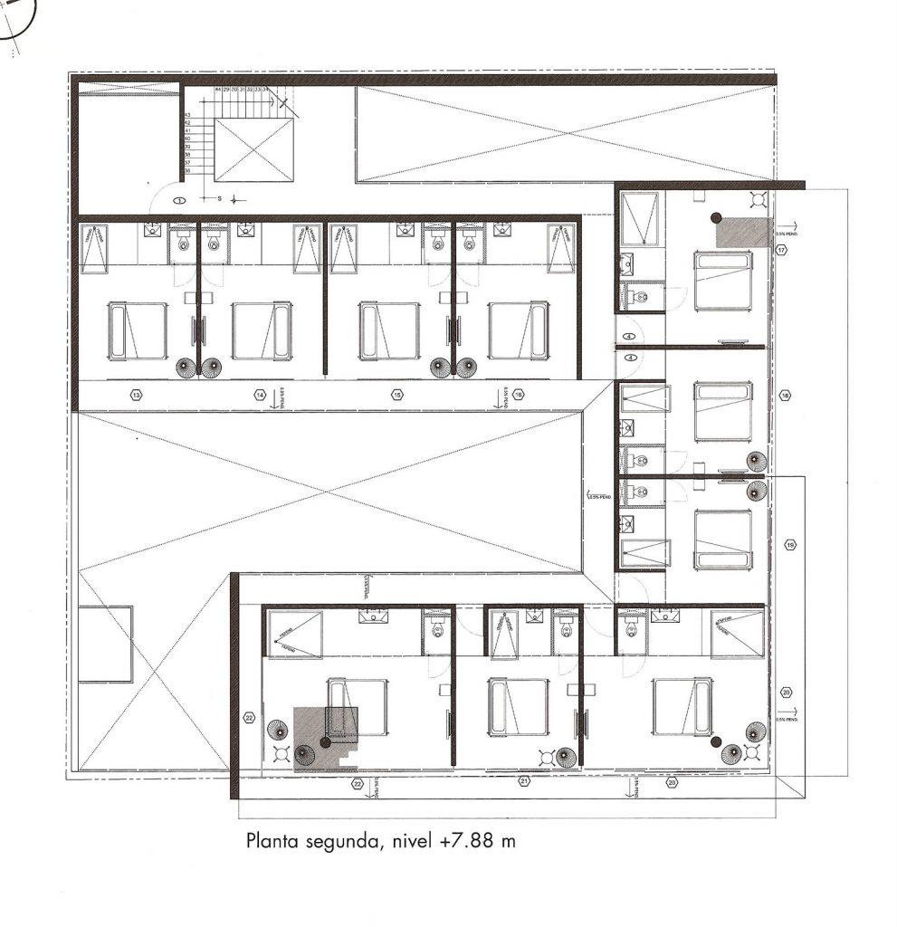 Hotel b sico ficha fotos y planos wikiarquitectura for Plantas de arquitectura
