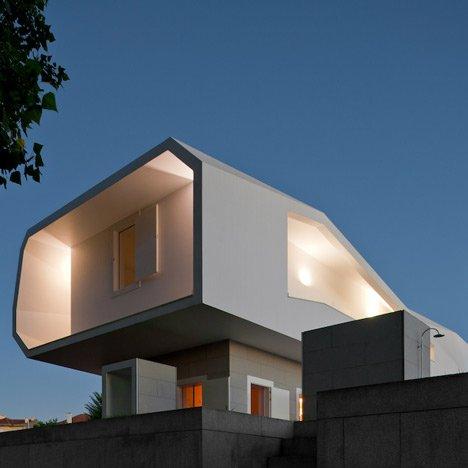 Dzn house in oporto by alvaro siza 441 wikiarquitectura for Piscinas oporto